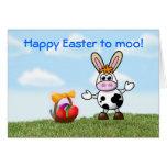 Pascua feliz con el humor de la vaca divertido tarjeton