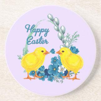 Pascua feliz con los polluelos del bebé posavaso para bebida