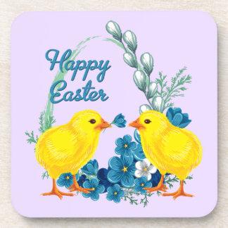 Pascua feliz con los polluelos del bebé posavaso