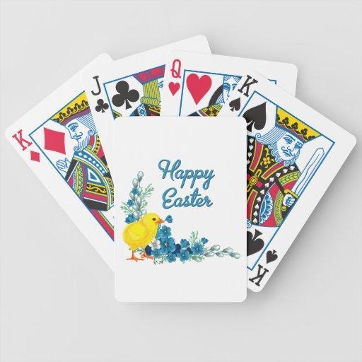 Pascua feliz con un polluelo del bebé baraja cartas de poker