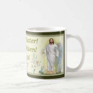 Pascua feliz él ha subido disfruta las tazas de