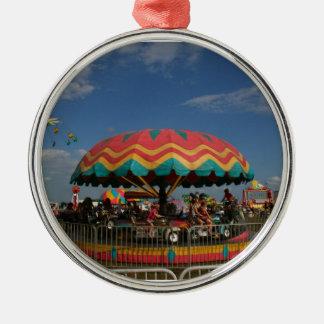 Paseo colorido del niño en la feria ornamento de reyes magos