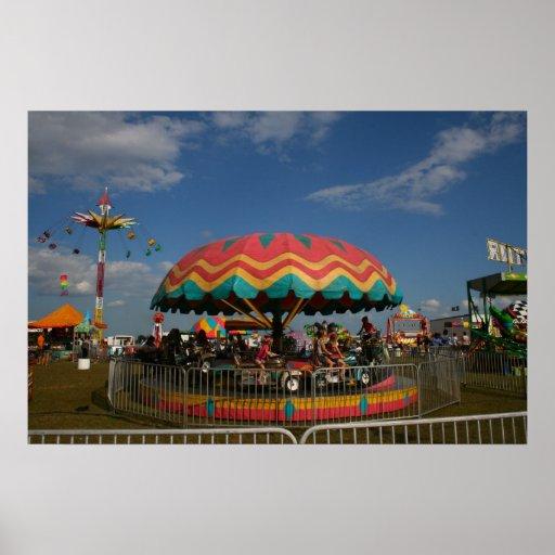 Paseo colorido del niño en la feria poster
