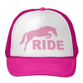 PASEO con el caballo de salto (rosa) Gorros Bordados