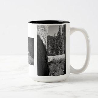 """""""Paseo de la muerte"""" a través de las montañas Taza De Café De Dos Colores"""