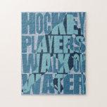 Paseo de los jugadores de hockey en el agua rompecabeza