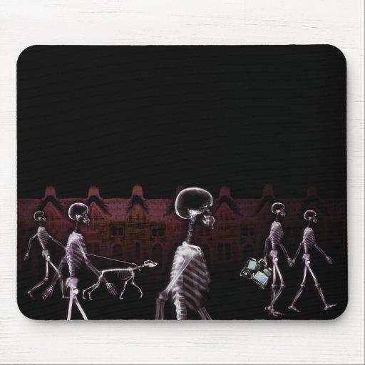 Paseo de medianoche de los esqueletos de la radiog alfombrillas de ratones