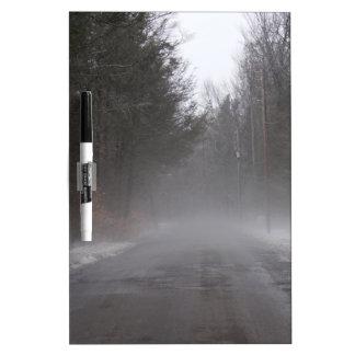 Paseo de niebla de la mañana pizarras