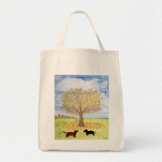 Paseo del árbol del otoño de los perros del bolsa tela para la compra