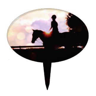 Paseo del caballo de la puesta del sol figuras para tartas