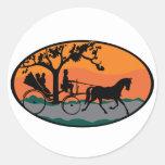 Paseo del caballo y del carro pegatina redonda
