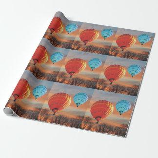 Paseo del globo del aire caliente de la salida del papel de regalo