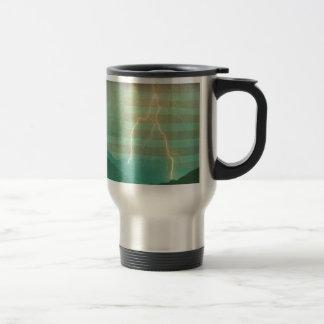 Paseo del relámpago la línea tazas de café