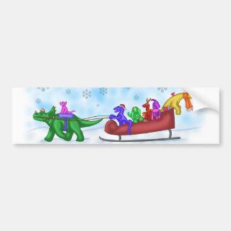 Paseo del trineo del dinosaurio etiqueta de parachoque