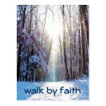 Paseo del verso de la biblia por la fe postal