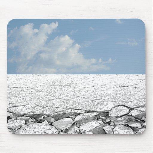 Paseo en el hielo - hielo báltico y cielo azul Mou Alfombrillas De Raton