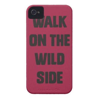 Paseo en el lado salvaje iPhone 4 Case-Mate cárcasas