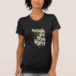 Paseo en la luz camiseta