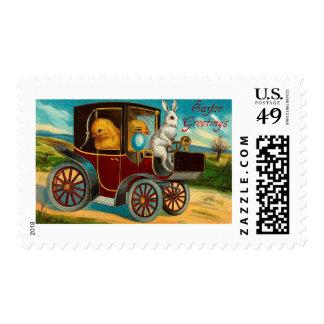 Paseo feliz del coche de motor del vintage de sellos postales
