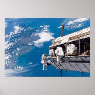 Paseo internacional del espacio de la estación esp posters