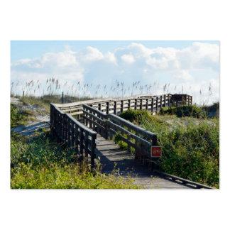 Paseo marítimo a la playa tarjetas de visita grandes