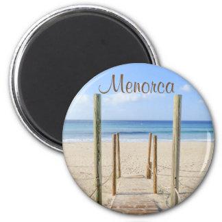 Paseo marítimo de Menorca al imán del recuerdo de