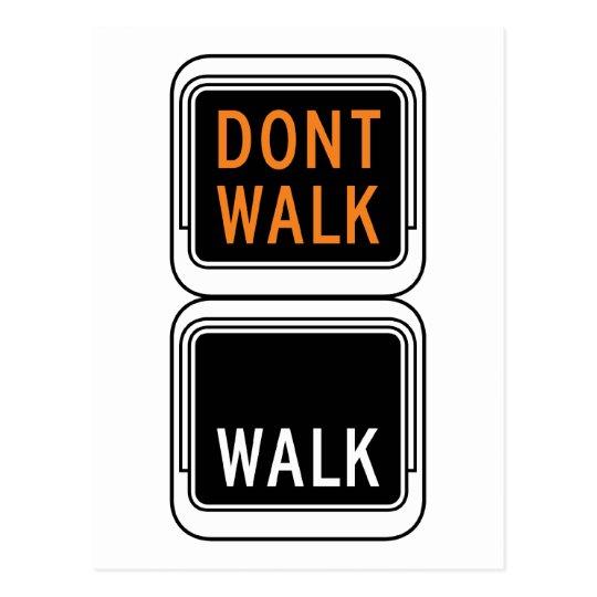Paseo - no camina la placa de calle postal