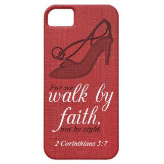 Paseo por cita del verso de la biblia del 5:7 de iPhone 5 funda