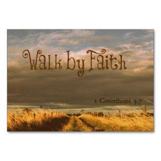 Paseo por escritura del verso de la biblia de la