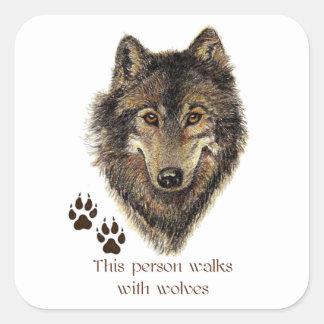 Paseos con cita del lobo de los lobos pegatina cuadrada