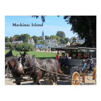 Paseos del carro en la isla de Mackinac Tarjetas Postales