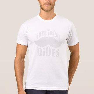 Paseos irlandeses libres del bigote camiseta
