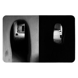 Pasillo de Adobe: Fotos blancos y negros Iman Rectangular