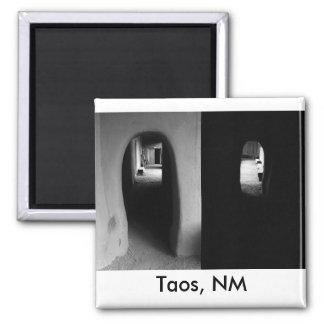 Pasillo de Adobe: Imán blanco y negro de las fotos