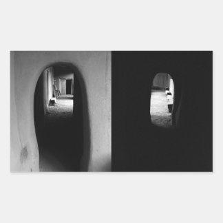 Pasillo de Adobe: Pegatinas blancos y negros de Pegatina Rectangular