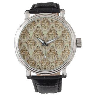 Pasillo del reloj del diseño de Buddhas