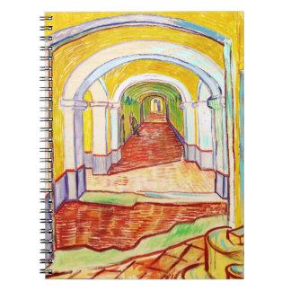 Pasillo en el hospital Vincent van Gogh de San Pab Cuadernos