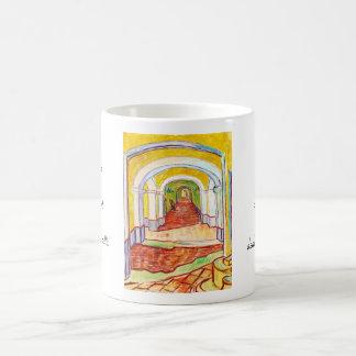 Pasillo en el hospital Vincent van Gogh de San Taza