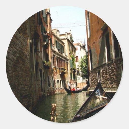 Pasillo veneciano pegatinas redondas