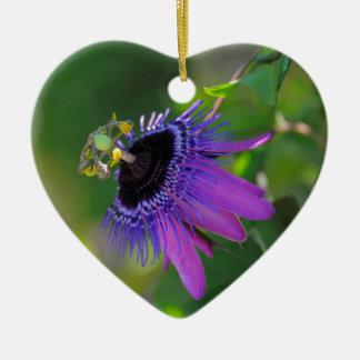 Pasionaria (Passiflora) Adorno Navideño De Cerámica En Forma De Corazón