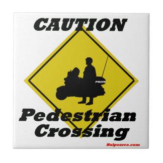 Paso de peatones de la precaución azulejo