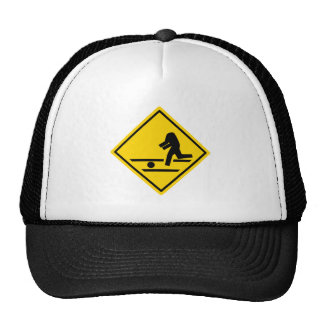 Paso de peatones sin cabeza gorro de camionero