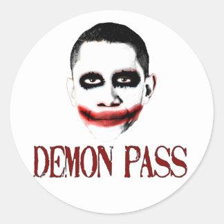 Paso del demonio - ObamaCare anti Pegatina Redonda
