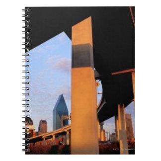 Paso superior de la autopista sin peaje en Dallas  Libros De Apuntes Con Espiral