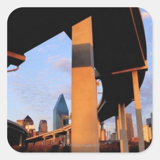 Paso superior de la autopista sin peaje en Dallas Colcomania Cuadrada