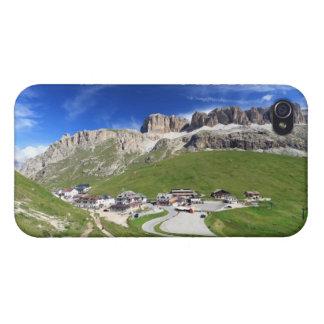Paso y montaña de Pordoi iPhone 4 Carcasas
