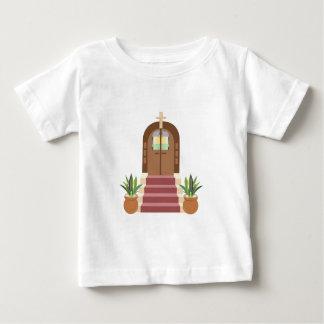 Pasos de la iglesia playera de bebé
