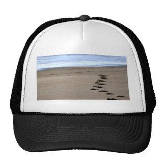 Pasos de la playa gorras