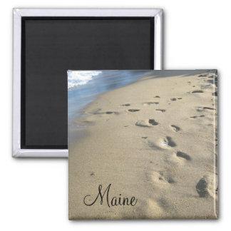 Pasos en una playa arenosa (Maine) Imán Cuadrado