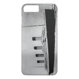 Passenger Liner Steamship RMS Titanic iPhone 8 Plus/7 Plus Case